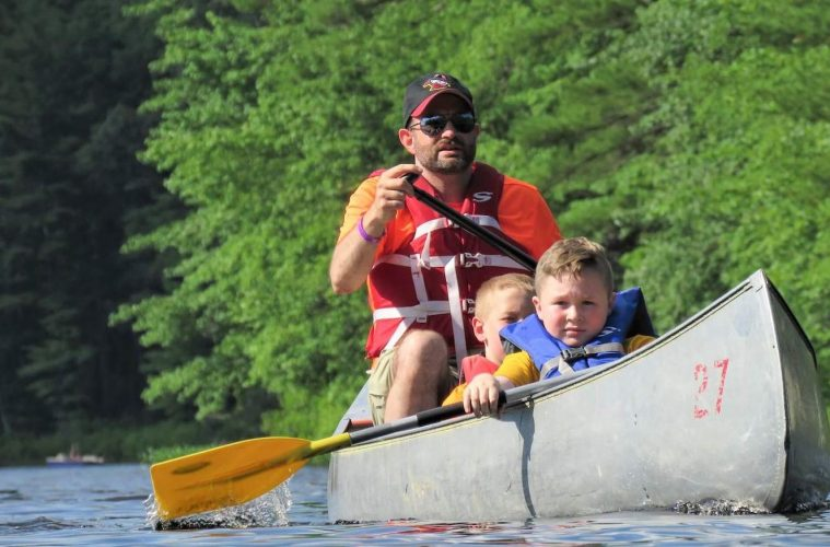 canoe dad with scouts
